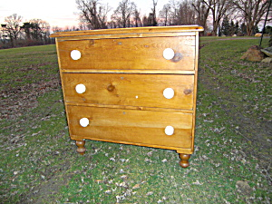 Country Pine Chest Of Drawers With Porcelain