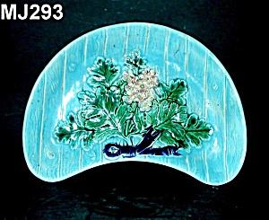 Majolica Crescent Dish (Image1)