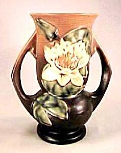 "7"" Roseville Water Lily Vase (Image1)"