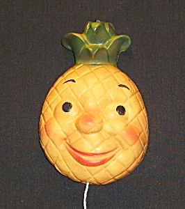 "7"" Pineapple Face String Holder (Image1)"