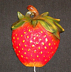 "6 1/2"" Strawberry String Holder"