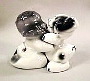 Snuggle-Hug Black Boy & Dog S&P Shakers (Image1)