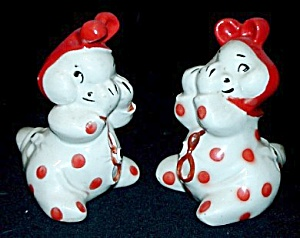 Snuggle-Hug Peek-A-Boo Salt & Pepper Shakers (Image1)