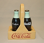 Click here to enlarge image and see more about item SP128: Coca Cola Salt & Pepper Shakers
