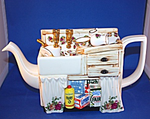 ROYAL ALBERT CARDEW TEAPOT SINK WITH DISHES (Image1)