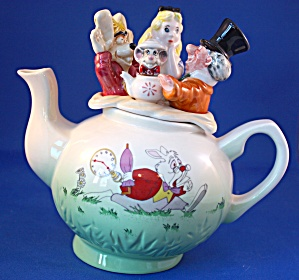 ALICE IN WONDERLAND CARDEW TEAPOT (Image1)