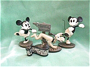 DISNEY CLASSICS DELIVERY BOY SET (Image1)