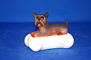 DOG ON A BIG BONE SALT & PEPPER (Image1)