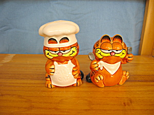 CHEF GARFIELD SALT & PEPPER (Image1)
