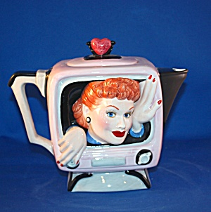 I LOVE LUCY TEAPOT (Image1)