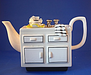 Kitchen Sink British Teapot