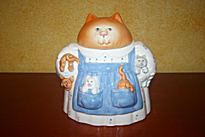 Mama Cat With Kittens Cookie Jar