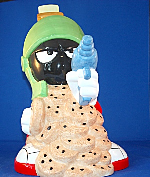 MARVIN WITH RAY GUN COOKIE JAR (Image1)