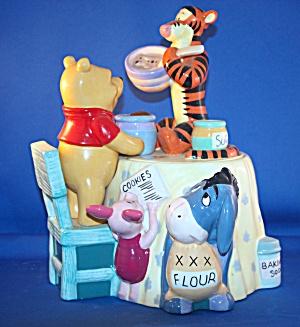 POOH & PALS MAKING COOKIES COOKIE JAR (Image1)