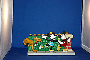 MICKEY & MINNIE ROLLER SKATING MENORAH (Image1)