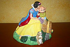 Snow White And Dopey Cookie Jar