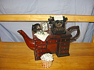Crime Writers Desk Cardew Teapot