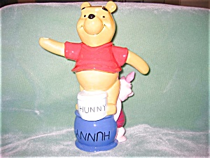 CARDEW POOH AND PIGLET TEAPOT (Image1)