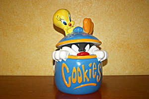 Tweety & Slyvester In Blue Cookie Jar