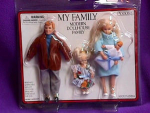 Click here to enlarge image and see more about item 5014: DOLLHOUSE FAMILY Blond Hair