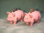 Click here to enlarge image and see more about item FS&P019: PIGGY BANK SALT & PEPPER SET
