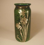 Click here to enlarge image and see more about item HeintzGreen7: Heintz Vase, 7 inch Daffodils, Green