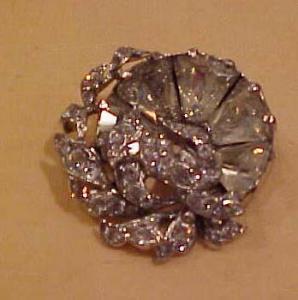 1940's flower pin/pendant rhinestones (Image1)