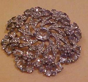 Snowflake design rhinestone pin (Image1)