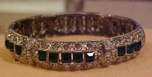 Art Deco bangle with green clear rhinestone (Image1)