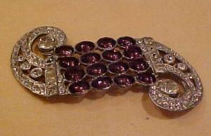 Art deco scroll design pin (Image1)