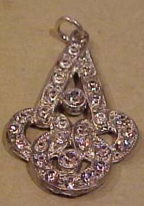 Art Deco rhinestone pendant (Image1)
