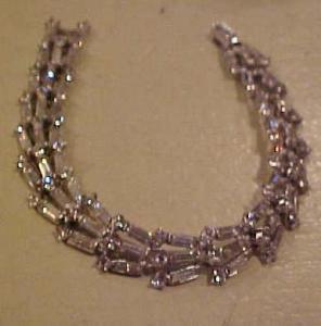 Trifari retro rhinestone bracelet (Image1)