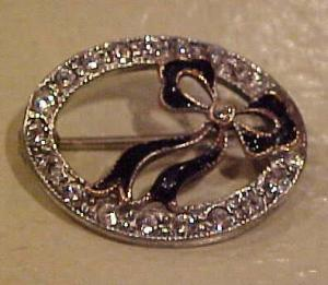 Rhinestone and enamel bow pin (Image1)