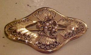 Art Nouveau Sash pin with faux pearls (Image1)