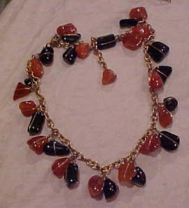 Polished stone dangling necklace 1960's (Image1)