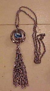 Mod 1970's necklace with tassle & stone (Image1)