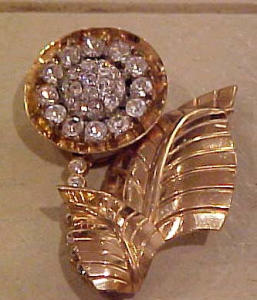 Fabulous retro flower pin with rhinestones (Image1)