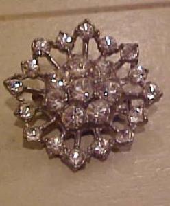 Pot metal and rhinestone snowflake pin (Image1)