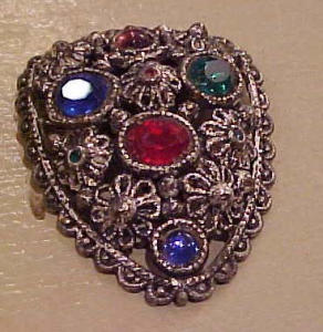 Flower design dress clip w/rhinestones (Image1)