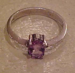 Sterling ring with amethyst (Image1)