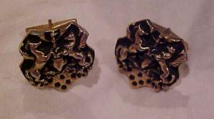 Handsom figural cufflinks with horses (Image1)