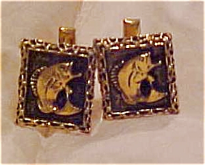Fish cufflinks (Image1)