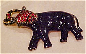 Enameled elephant pin (Image1)