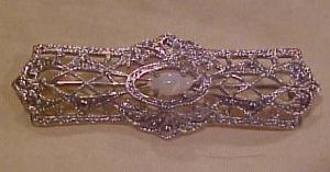 Sterling filligree bar pin with opal (Image1)