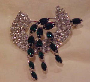 Weiss green/clear rhinestone pin (Image1)