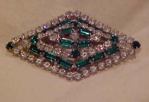 Green and clear rhinestone pin (Image1)