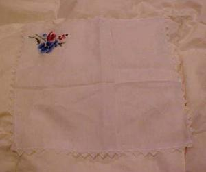 Embroidered flower & crocheted trim hankie (Image1)