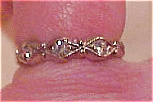 Ring with rhinestones (Image1)