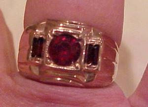 Mens 14k gf ring with red rhinestones (Image1)