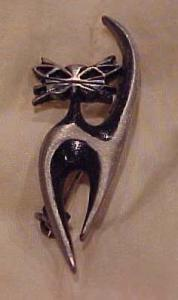 The Handcrafter Modern Style Cat Pin (Image1)